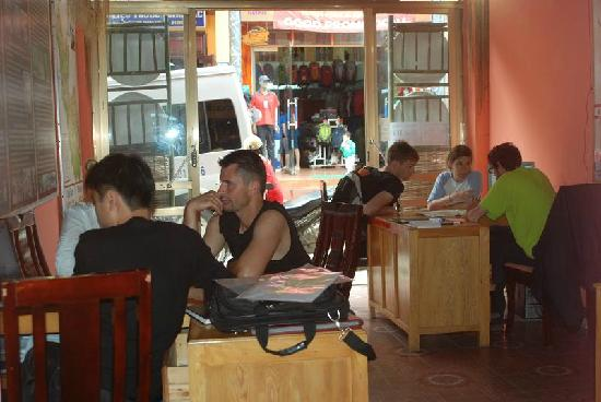 Vietnam Nomad Trails - Day Tours: working time