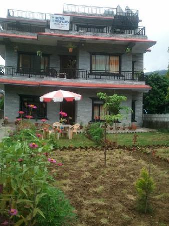 Hotel The Cherry Garden: 小楼花园