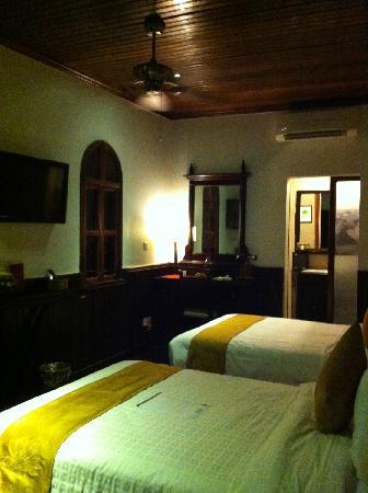 HanumanAlaya Villa: 房间内部