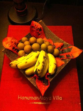 HanumanAlaya Villa: 第一天送的欢迎水果