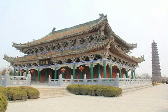 Kaifeng Iron Tower Park : 开封铁塔公园