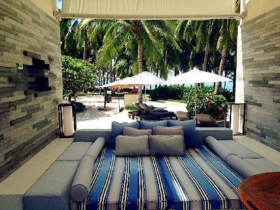 InterContinental Sanya Resort: beachfront villa