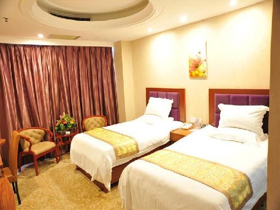 Green Tree Inn Shantou Xiashan Yuelai Hotel: 客房