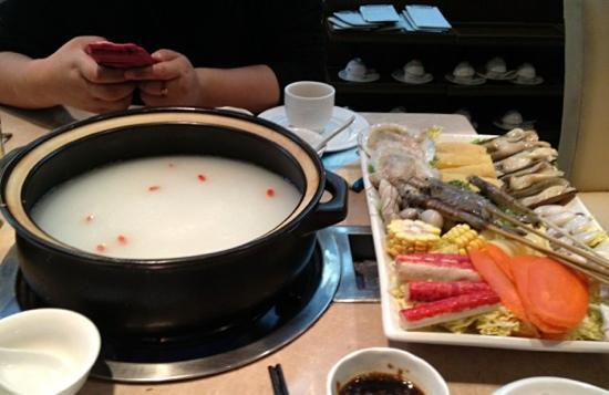 Wu MiZhou Seafood Hotpot (YuYuan)