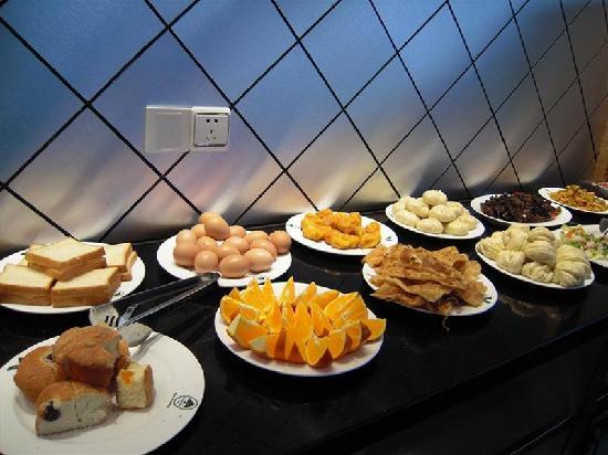 GreenTree Inn Qian'an Caifu Center Business Hotel: 早餐