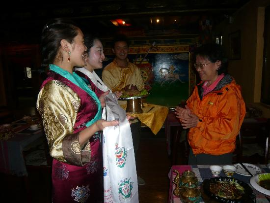 A Bu Lu Zi Tibetan Restaurant : 赠送藏式蛋糕