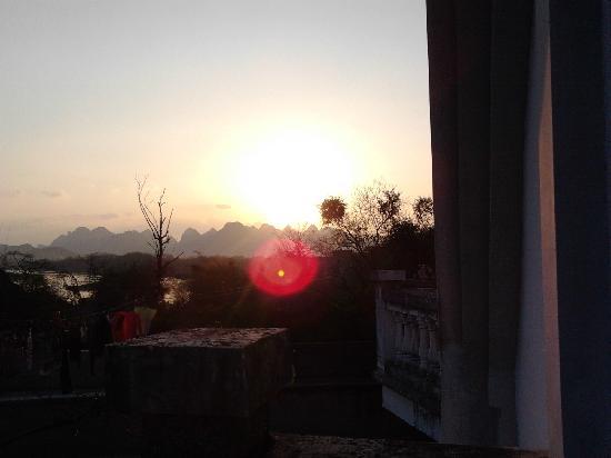 Maozhou Island Villa Hotel: 夕阳无限好,只是近黄昏
