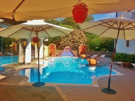 Grand Hotel Arciduca: Swimming pool