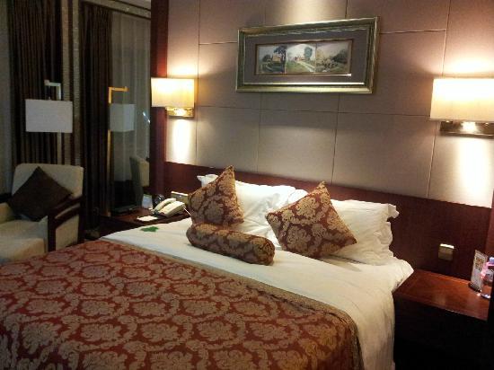 Infine Hotel: 房间2