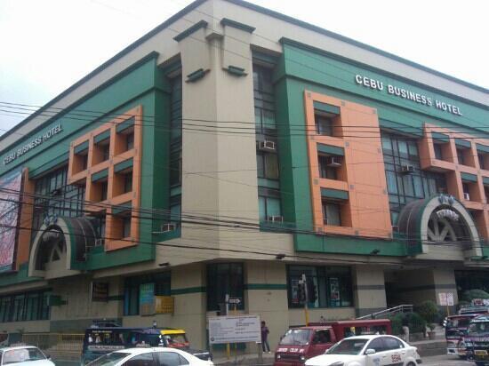 Cebu Business Hotel: 转角全景