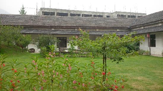 Naturalhome Hotel Moganshan Deqing: 院子