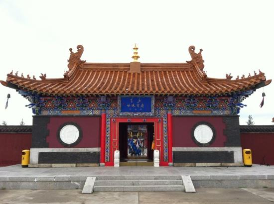 Xinba'erhuzuo Qi, จีน: 甘珠尔庙