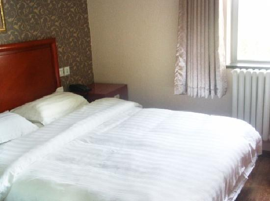 Aobosen Hotel: 大床房