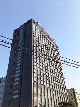 Crowne Plaza Beijing Sun Palace : 酒店外观