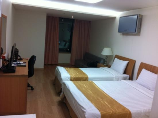 Hyundai Residence: 宽敞的房间