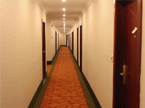 Green Tree Inn Taizhou No.1 Shopping Mall Express Hotel: 走廊