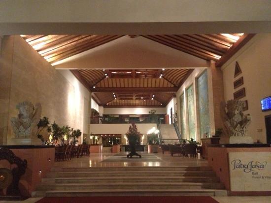 The Patra Bali Resort & Villas: 酒店大厅