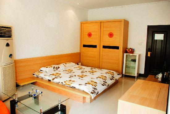 Hongbaoge Hotel: 商务单间