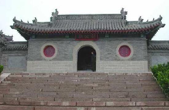 Weihai Liugong Temple: 一个比较古老的庙。
