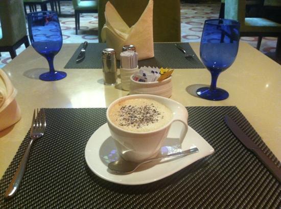 Holiday Inn Pudong Nanpu: 咖啡厅