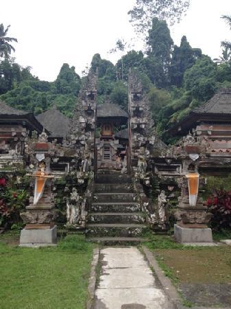 Bali Traveland Tour & Travel : holy spring temple