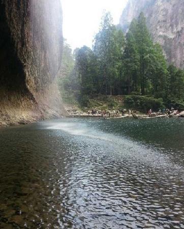 Mt.Yandang Resort : 瀑布