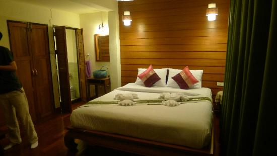 Rustic Guesthouse : 房间