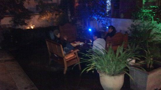 Hongfangzi Youth Hostel: 那晚被格了!