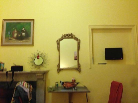 Ridolfi Guest House: 房间一角