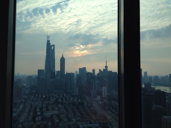 Novotel Shanghai Atlantis: 客房朝外看