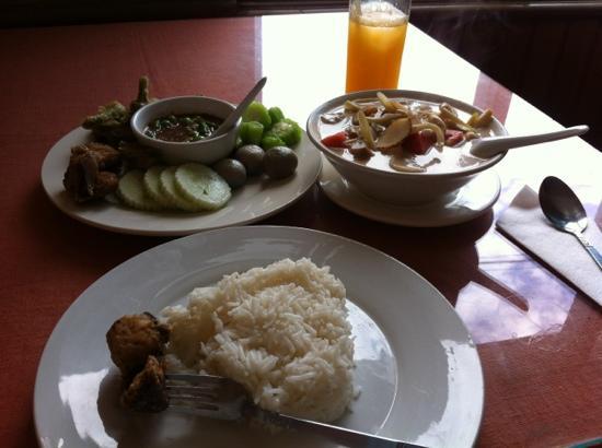 Ko's Kitchen Thai Restaurant: 一个人的丰盛