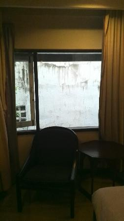 Diamond City Hotel : 窗外的风景格外白