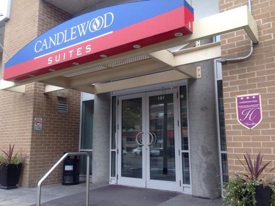 Candlewood Suites Montreal Centre-Ville : 酒店正门