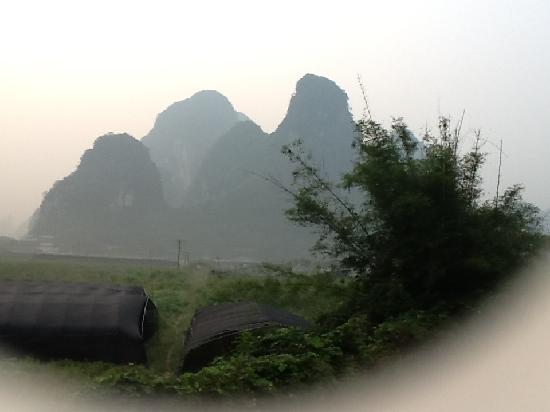 Yangshuo Phoenix Pagoda Fonglou Retreat : 早起拍摄于酒店阳台