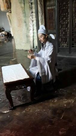Dehuatang Chinese Ancient Bed Museum: 诗人李白床上泼墨作诗