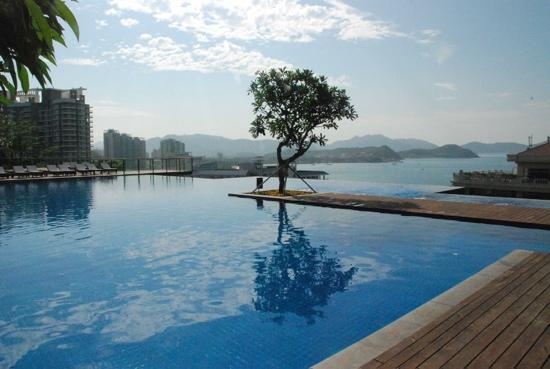 Royal Garden Resort: 半山锦江泳池