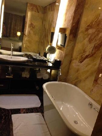 JW Marriott Hotel Shenzhen: 亮堂堂的,有木有