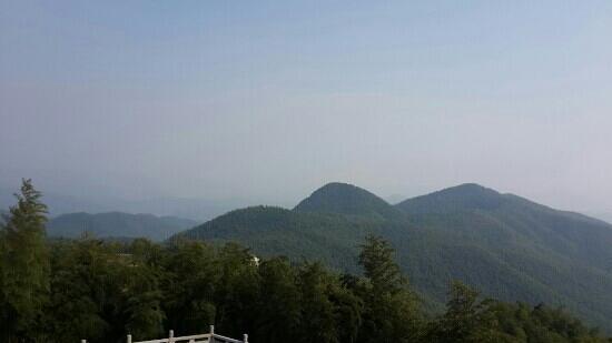 Leiyang, Китай: 竹海观海楼远眺