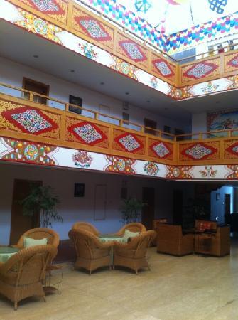 Jiuzhaigou Scenic Resort Management Bureau Guest House Hotel: 离九寨沟景区入口最近的宾馆