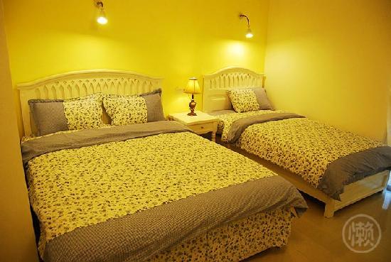 O-Lazy Hostel: 总店阳台大标间