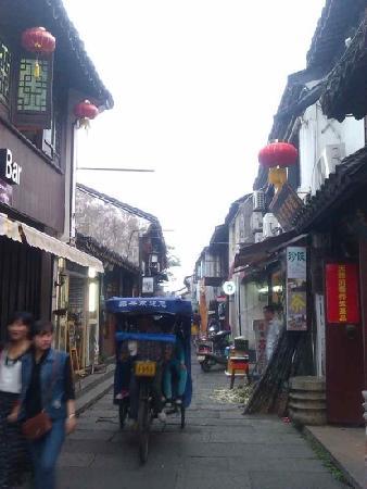 Cangqiao Street: 仓桥直街