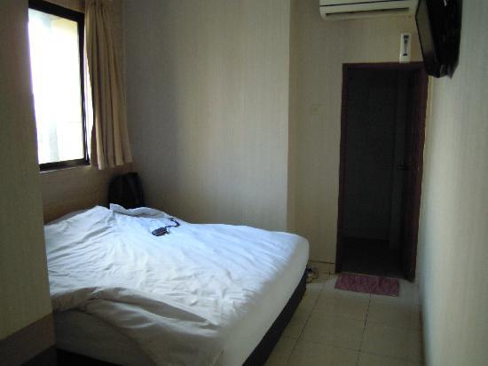 Malioboro Palace Hotel : room