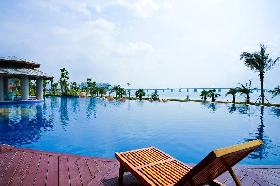 Wanda Realm Xiamen North Bay: 泳池