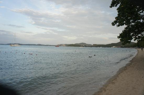 ibis Samui Bophut: 酒店沙滩宁静优美