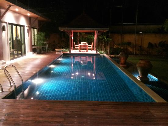 Two Villas Holiday, Oriental Style Layan Beach: night