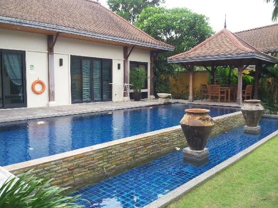 Two Villas Holiday, Oriental Style Layan Beach: pool