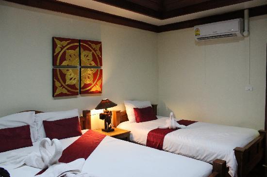Huenchandee Hotel: 4