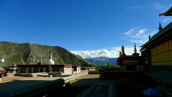 Jiru Lakang Temple