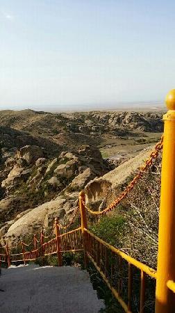 Rocks Ditch of Xinjiang: 怪石山谷