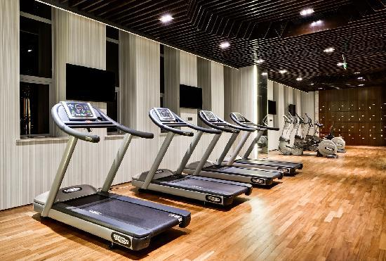 Four Points by Sheraton Hotel: 健身中心 Fitness Center